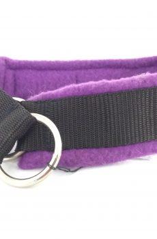 halvstryp halsband till hund i svart nylon med lila fleece foder